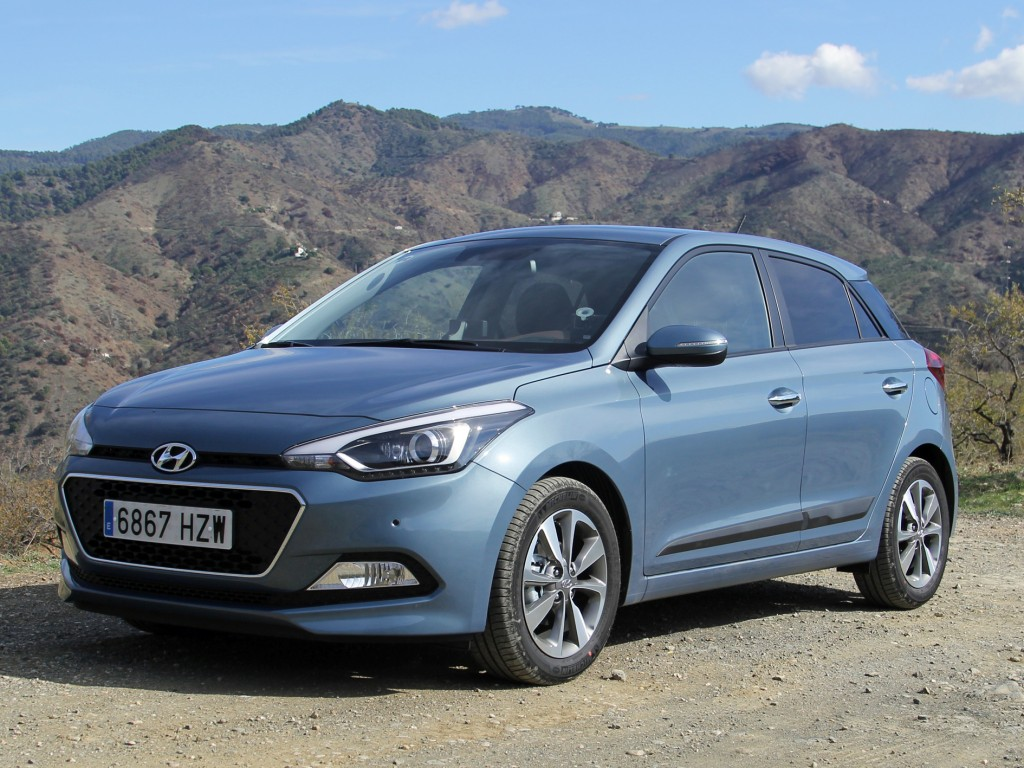 all new hyundai i20 test review drive report. Black Bedroom Furniture Sets. Home Design Ideas