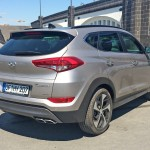 Hyundai Tucson in front of Museum