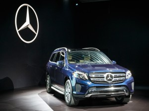 Mercedes GLS - Blue - Front and side