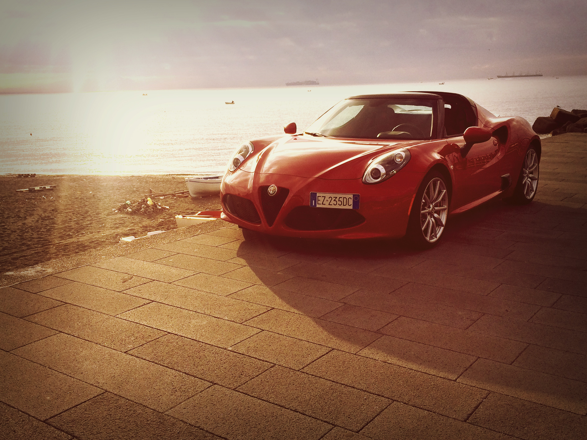 alfa romeo 4c spider free car video reviews car reviews new cars drive. Black Bedroom Furniture Sets. Home Design Ideas