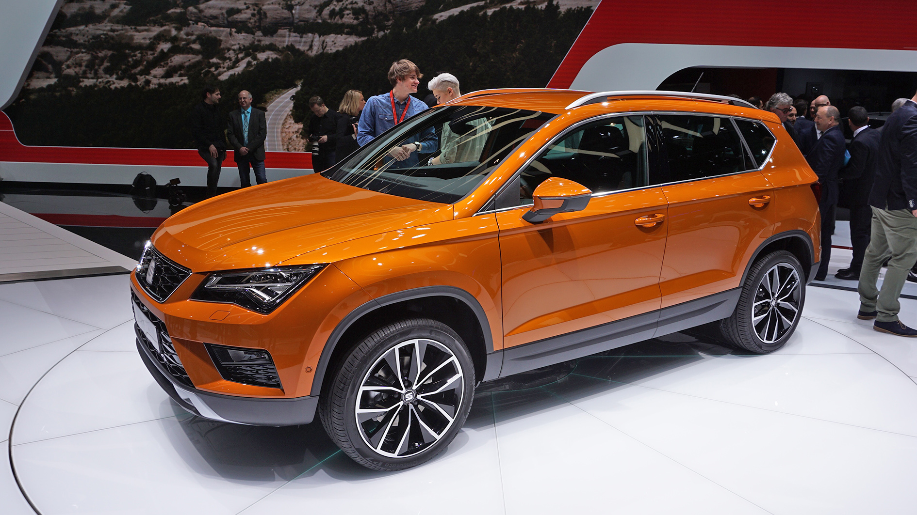 geneva 2016 seat ateca world premiere seat 39 s first suv car show world premiere car. Black Bedroom Furniture Sets. Home Design Ideas
