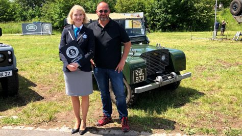 70 year Land Rover & Guinness World Record Drive. Image: quickcarreview.com