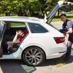 loading long items into skoda superb combi