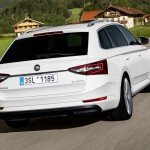 big boot and beautiful design - skoda superb combi 2015